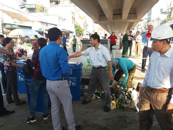 Xóa điểm đen môi trường bằng thùng rác Paloca tại Quỳnh Lưu