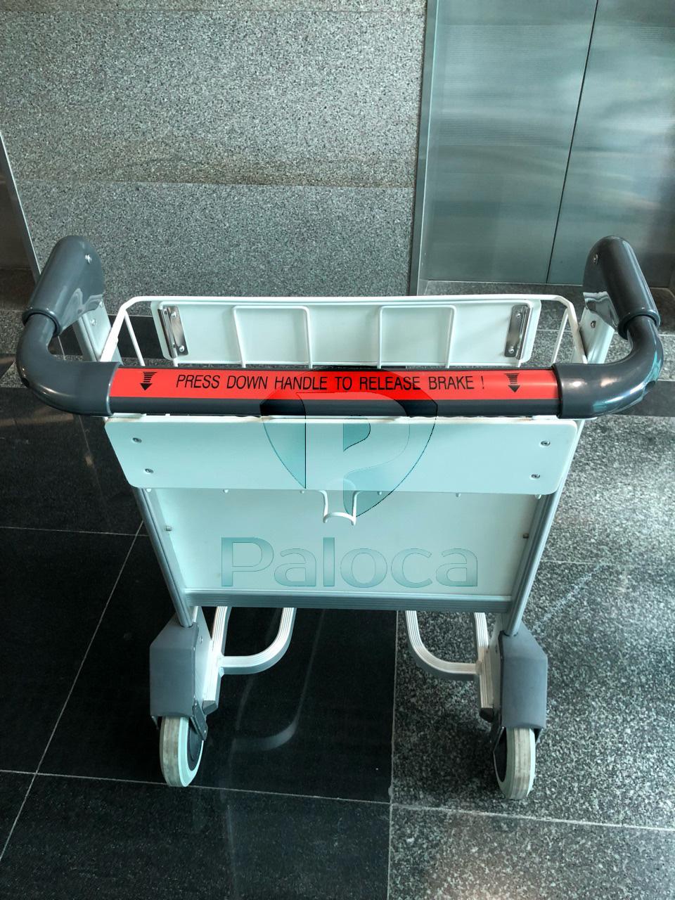 Xe đẩy hành lý sân bay