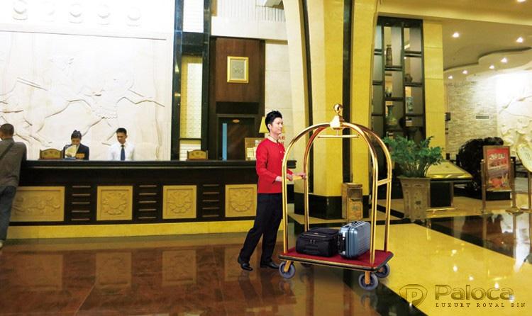 Xe chở hành lý khách sạn