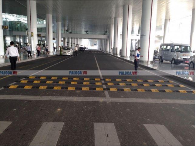 Gờ giảm tốc cao su lắp đặt tại sân bay nội bài