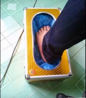 Hộp bọc giày tự động