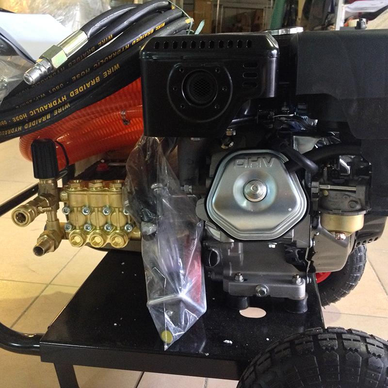 Động cơ của máy phun rửa Kocu