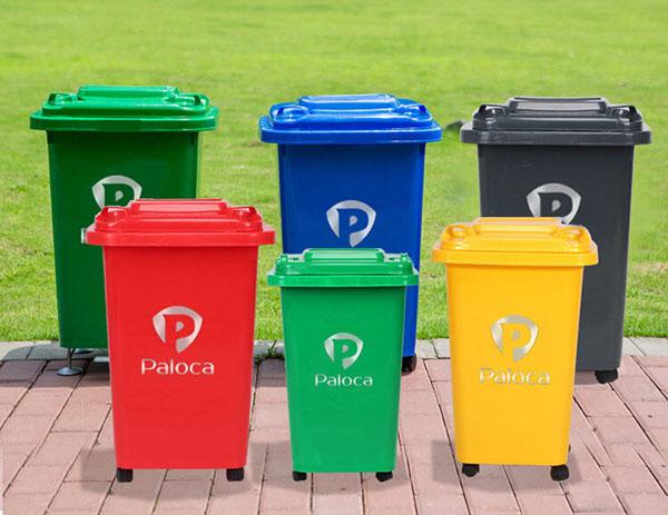 Thùng rác nhựa công cộng được sử dụng vô cùng phổ biến hiện nay